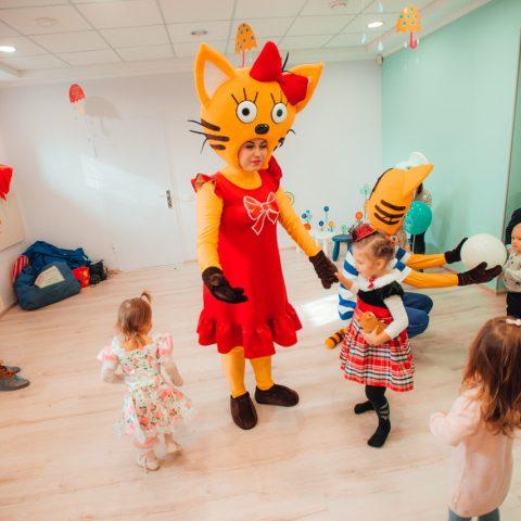 """Универсальная детская программа """"Три кота"""" от студии Конфетти, Кривой Рог"""